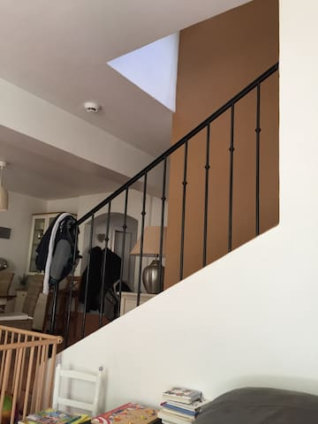 Belle petite maison de lotissement - Cogolin - Bed & Breakfast