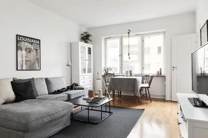 Water view apartment in Hornstull (Södermalm)