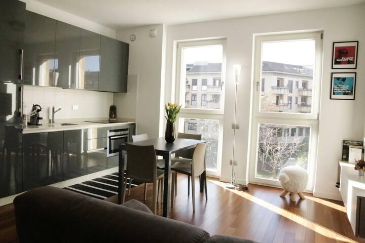 ♥ Isola District stylish & bright apt w/balcony!