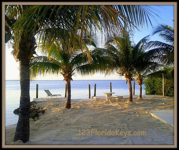 Florida Keys Vacation Cottage - Cudjoe Key - Cabaña