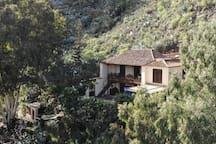 The house/ La casa