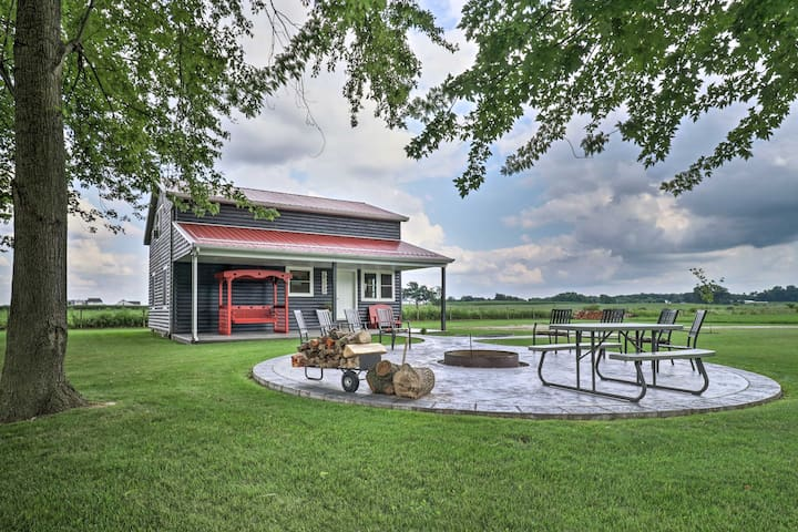 Cozy 'Haven of Rest' Home w/ Amish Country Views!