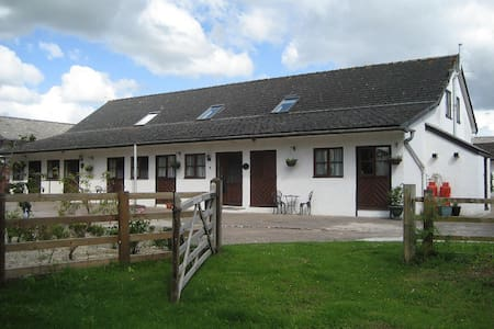 Swallow Cottage, Forest of Dean, pet friendly. - Yorkley - Bungalov