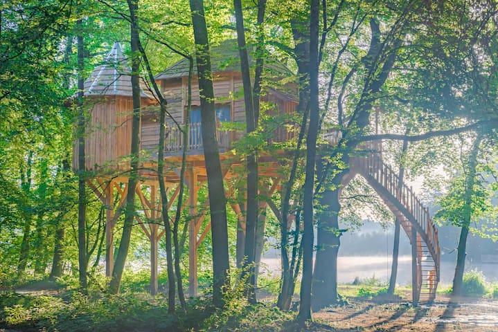 Cabane Repaire pour 5 personnes - Joncherey