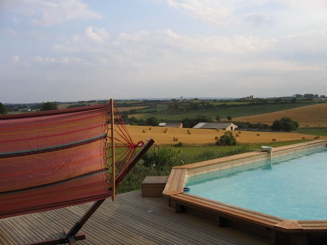 Maison avec piscine à la campagne à 15 min d'Albi. - Lombers - Casa