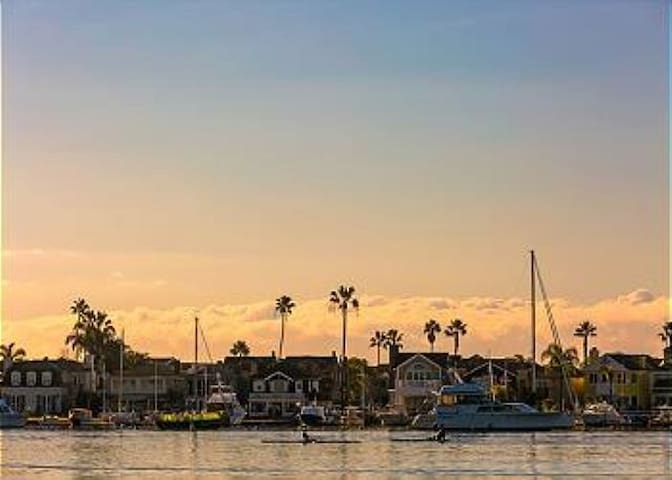 25% OFF NOV+DEC - Balboa Beach Cottage, Walk to Ocean, Bay, Dining & Fun Zone