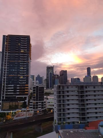 10min. walk to anywhere in Brisbane CBD