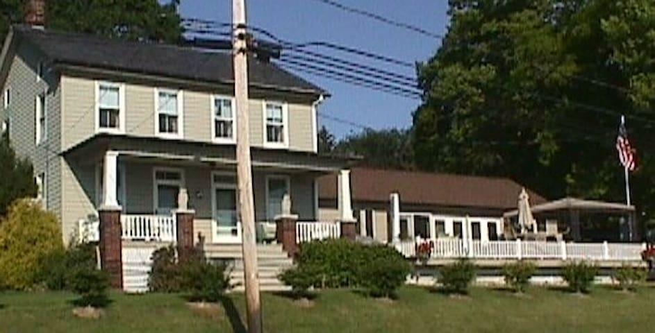 DEAN GETZ  411BANK HILL ROAD - Wrightsville - Apartemen