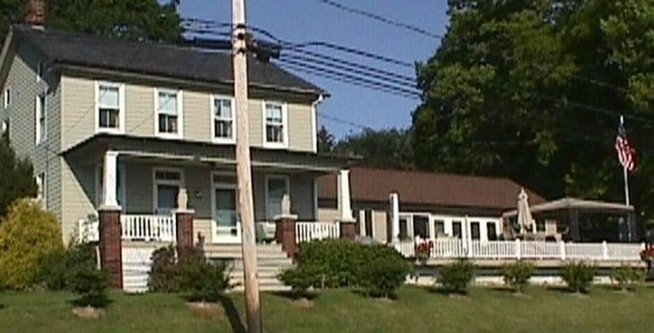 DEAN GETZ  411BANK HILL ROAD - Wrightsville - Apartment