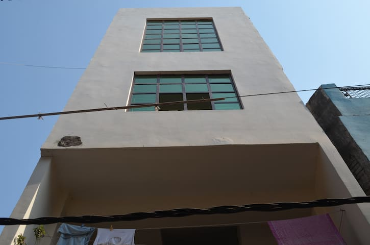 Kamla house at Zero road, Prayagraj (Allahabad)