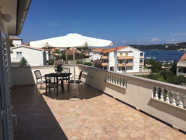 Room with great View, 100m to Seaside Promenade - Supetarska Draga