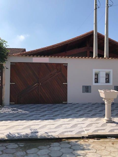 Casa Espetacular c/ Piscina e próx praia Mongagua