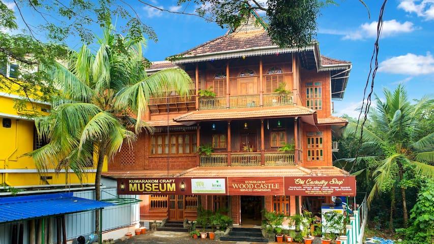 Kumarakom Wood Castle : Premium luxury Room 5
