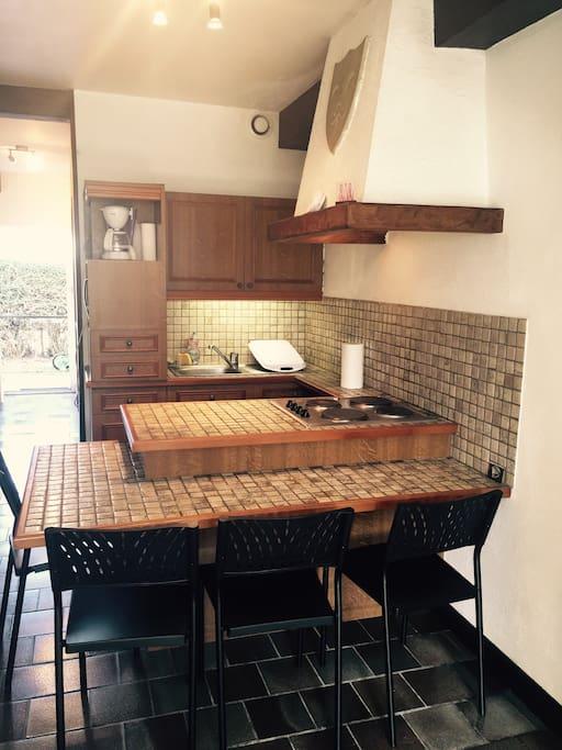 studio t1 meuble flats for rent in la rochelle poitou charentes france. Black Bedroom Furniture Sets. Home Design Ideas