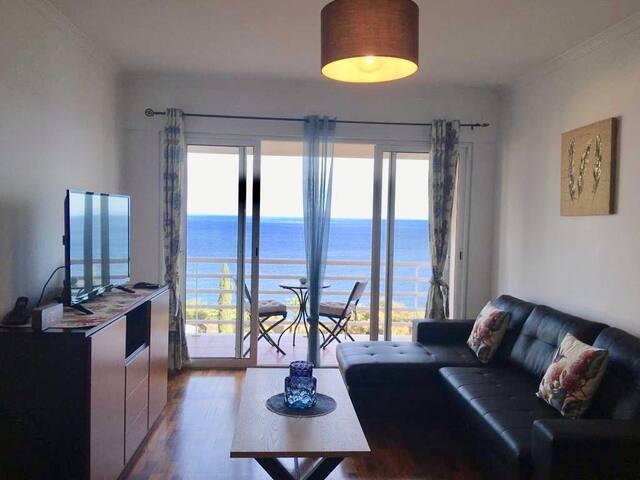 Estrela Azul-Lindo apartamento em frente à Praia.