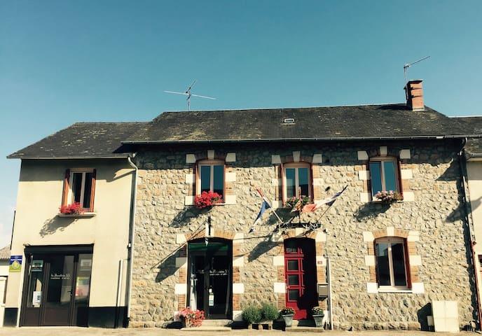 B&B: La Bouchère 33 in de Limousin! - Meuzac - Penzion (B&B)