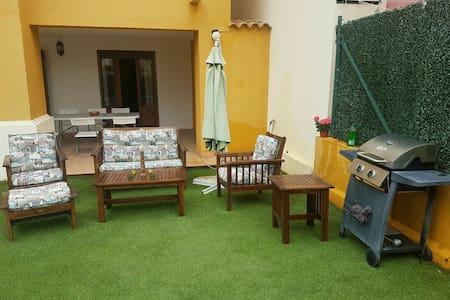 Casa Costa Esuri con jardín privado - อะยามอนเต - อพาร์ทเมนท์