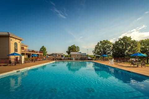 Villa Next to a Lake   5-Hole Golf On-Site, Outdoor Pool, Mini Golf + More