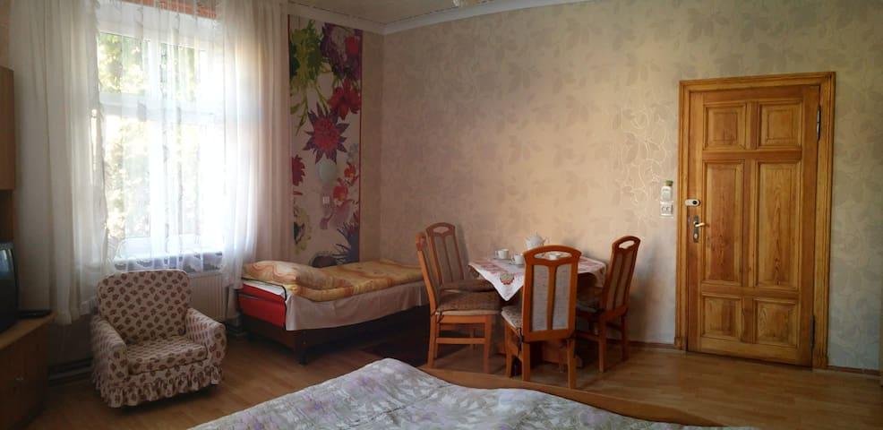kolorowy pokój  w Willi  Lemoniada