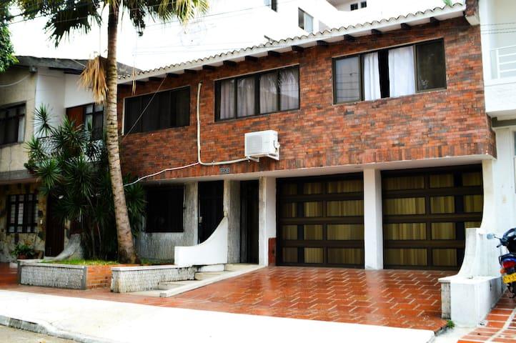 Casa El Bosque, Cali Colombia - Cali - Casa