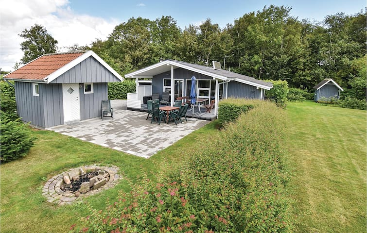Holiday cottage with 4 bedrooms on 78m² in Assens