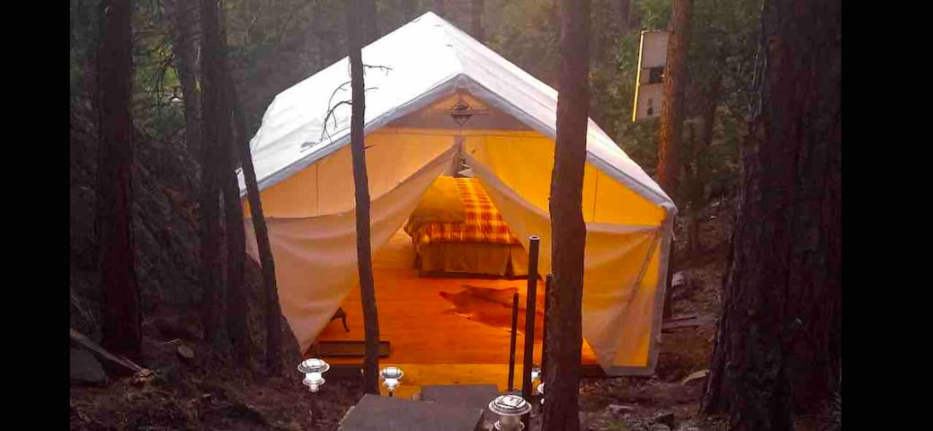 Black Hills Glamping - the Gold Digger