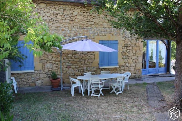 Authentique maison de vacances en Périgord - Badefols-sur-Dordogne - Casa de vacaciones