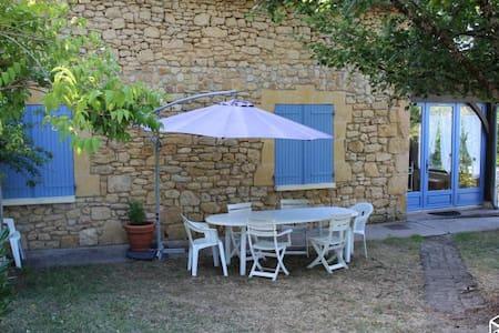 Authentique maison de vacances en Périgord - Badefols-sur-Dordogne - บ้านพักตากอากาศ