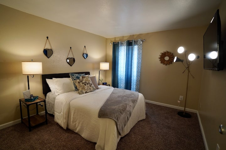 Comfy, Convenient Private Stay-cation Home