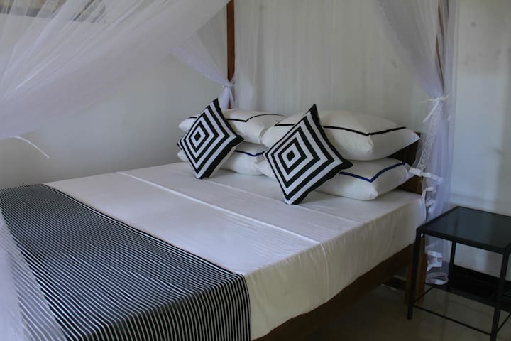 Villa Serenity Bed Room 1 - Weligama - Rumah