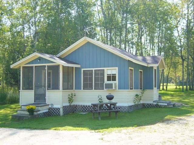 Lake Lane Cottages (Cottage #2) - Sturgeon Bay - Kisház