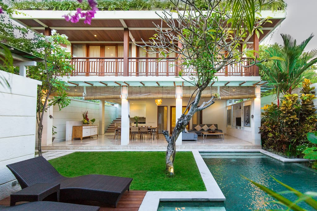 Two floors villa with open space living room, private pool and yard