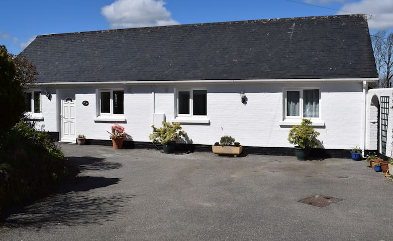 Immaculately presented bungalow. - Veryan - Casa