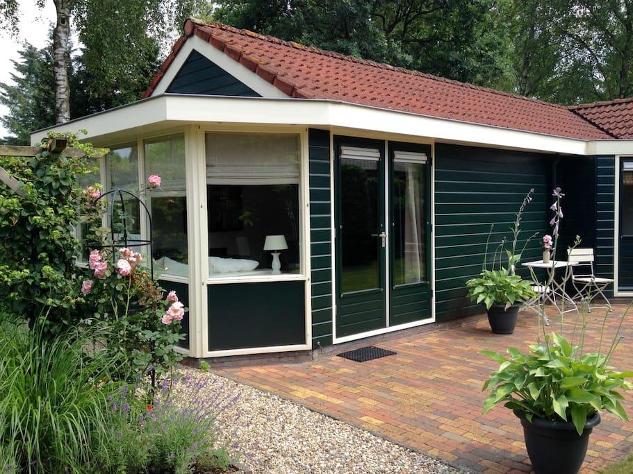 Sfeervolle vrijstaande bungalow bij veluws bos bungalows for Vrijstaande boerderij te huur gelderland