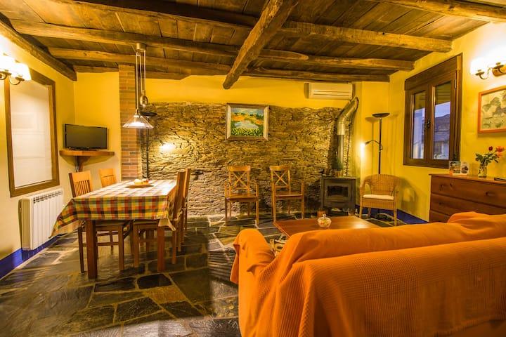 Casa Rural (4-6 pax)