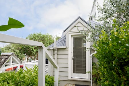 Parnell Self Contained Guesthouse - Auckland - Pensió