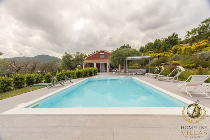 Villa Giorgi, with a large and private pool