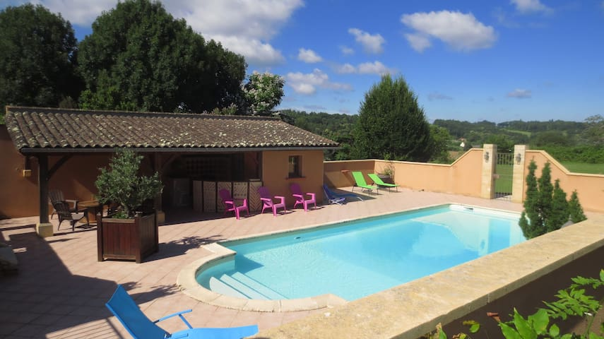2 km CENTRE SARLAT, SDD, TV, WIFI - Sarlat-la-Canéda - Bed & Breakfast