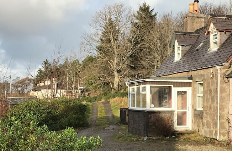 Kildinguie - Traditional Cottage - on NC 500 Route