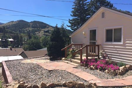 Rich & Laura's Colorado Home - Idaho Springs - Haus