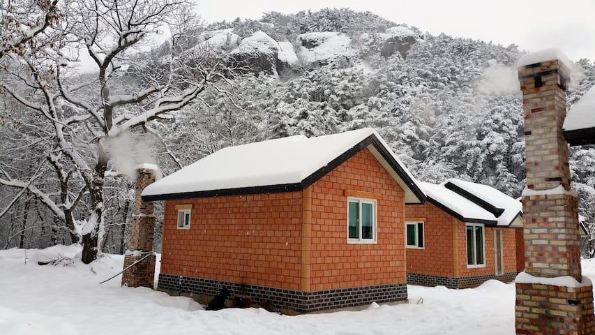 내변산황토힐링타운 - 아궁이 구들장으로 만든 순수 친환경 황토방입니다..^^