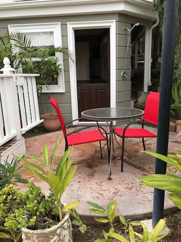 Charming Laguna Beach Guest Quarters