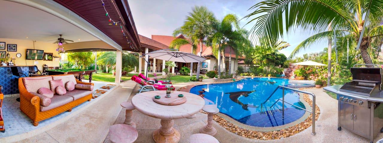 Vacation Villa for  Private Rental Luxurious.Pool - Pattaya - Villa