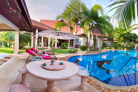 Vacation Villa for  Private Rental Luxurious.Pool - Pattaya