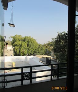 A Real Home stay  room -3 - Udaipur - Bed & Breakfast