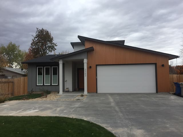 New modern house close to airport & downtown - Boise - Hus