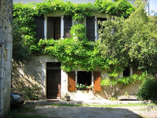 Exceptionally Beautiful Dordogne Water Mill - Saint-Sulpice-de-Mareuil - Hus