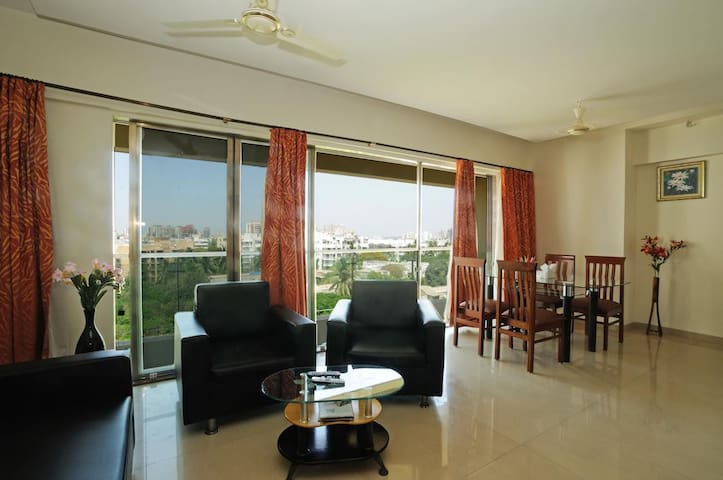 Classy 2 Bedroom Apartment in Andheri West, Mumbai - Bombay - Appartement