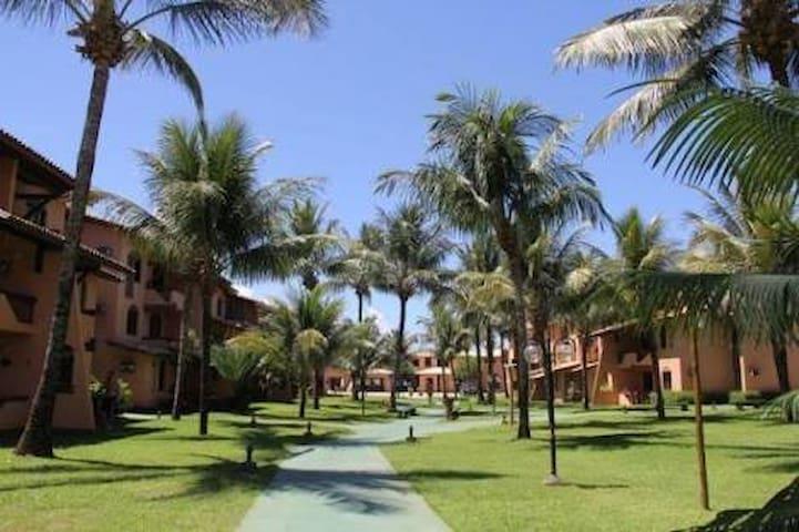 Flat à Beira Mar em Guarajuba-BA com 3 quartos - Camaçari - Flat