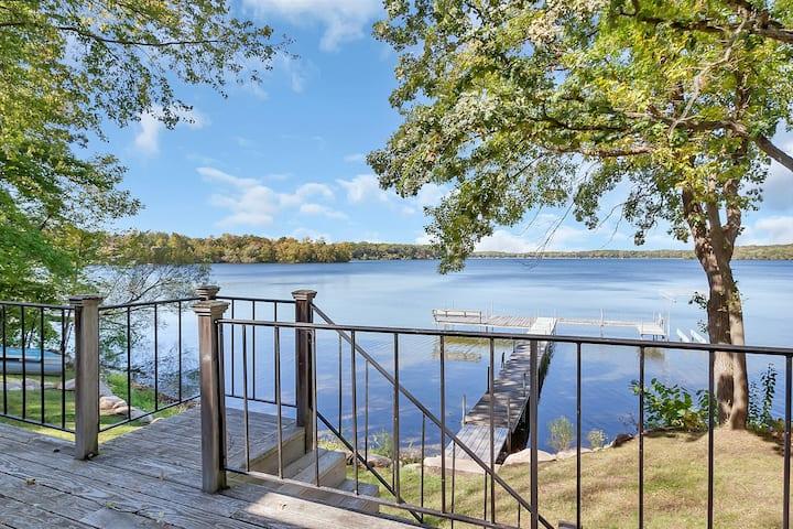 Spacious Lakeside Cabin